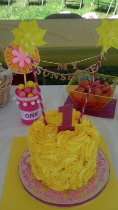 You are my sunshine! First birthday smash cake for my niece.