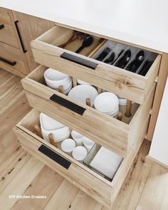 Steal These Kitchen Organizing Tips from an Interior Design Pro Here's how HGTV host, stylist, and best-selling author Emily Henderson organized her new mountain house kitchen. Small Kitchen Organization, Diy Kitchen Storage, Home Organization, Smart Storage, Organizing Kitchen Cabinets, Kitchen Pull Out Drawers, Kitchen Drawer Dividers, Deep Drawer Organization, Kitchen Organizers