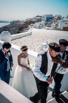 Wedding in Santorini! Bride's arrival accompanied with traditional Greek music! Wedding Planner, Destination Wedding, Greek Music, Santorini Wedding, Unique Weddings, Traditional, Bride, How To Plan, Wedding Bride