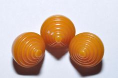 LOVELY-VINTAGE-BAKELITE-CONE-SHAPED-BUTTONS