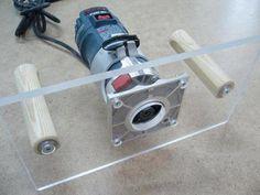 Fini la toupie ébardeuse vacillante / No More Tipping Trim Router Jet Woodworking Tools, Woodworking For Kids, Woodworking Workshop, Woodworking Projects, Woodworking Furniture, Dremel Router, Diy Router, Router Jig, Awesome Woodworking Ideas
