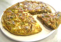 TORTILLA DE ALCACHOFAS Y BACALAO Ingredientes: - 250 gr. lomo de bacalao desalado - 1 kg. alcachofas - 5 huevos - 1 cebolla pe...