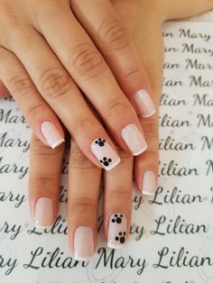 Nail care is very important because : Nails problems may indicate problems with your heart, lungs, kidneys… Here you will find the steps to keep your nails look and feel best. Nail Tip Designs, Nail Designs Spring, Cute Nails, Pretty Nails, My Nails, Nail Problems, Nail Decorations, French Nails, Simple Nails