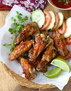 Spicy Chicken Wings with Sesame and Sriracha Sauce by seasonwithspice #Chicken_Wings #Sriracha