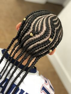 What are the box braids? We braid hair since the dawn of time, so we found traces of braided hairstyles dating back to Prehistory! After a dazzling comeback in the the fashion of braids (or rather mats) does not seem… Continue Reading → Box Braids Hairstyles, Latest Braided Hairstyles, Try On Hairstyles, My Hairstyle, African Hairstyles, Popular Hairstyles, Cornrow Designs, Braid Designs, Braids For Boys