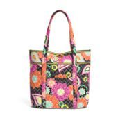 Vera in Ziggy Zinnia | Vera Bradley  The bigger, the better!  Having multiple sized tote bags it's a teacher necessity! ☆☆☆ #mysuitesetupsweepstakes