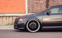 low stance black Skoda Octavia Car Stuff, Cars And Motorcycles, Bmw, Vehicles, Photography, Black, Photograph, Black People, Fotografie