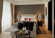 Schweizerhof Bern & THE SPA ( Berne, Switzerland ) Deluxe King Rooms start at 322 square feet, with colorful fabrics and contrasting textures. Bern, Switzerland Hotels, Hotel Decor, Luxury Holidays, Hotel Reviews, Luxury Living, Living Room, Interior Design, Spa