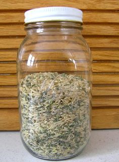 Homemade Seasoned Rice Mix Instead of buying boxed rice mixes, you can make your own and save money. Here's a recipe for the rice mix, along with a Chicken Rice Casserole that uses the rice mix. You can also save mone… Homemade Dry Mixes, Homemade Spices, Homemade Seasonings, Mason Jar Meals, Meals In A Jar, Soup Mixes, Spice Mixes, Spice Blends, Chicken Rice Casserole