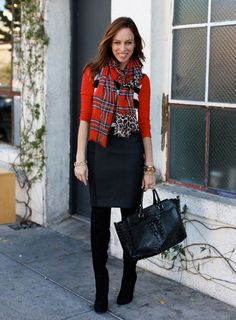 497bb7ddaca 10 Matching Outfits To Wear With Pencil Skirts for Chic Look