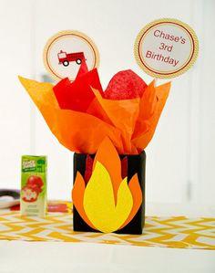 selbstgebastelte Geschenktüte zum Feuerwehr Geburtstag