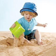 Get a sand shovel and a scoop in one cool toy - bright and easy-to-grip hand sand digger! Manufactured by Hape. Recommended for 12 to 24 months, 2 years, 3 years, 4 years, 5 years.