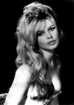 Brigitte Bardot, a beautiful French actress Bridget Bardot, Brigitte Bardot, Actrices Hollywood, French Actress, Old Hollywood Glamour, Hollywood Theme, Hollywood Stars, Twiggy, Classic Beauty