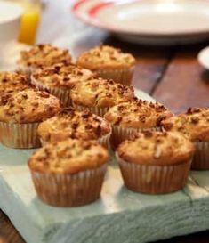 Quoi manger au petit déjeuner pour ne pas avoir faim au milieu de l'avant-midi? Cette recette de muffins aux bananes moelleux et nutritifs! En seulement 15 minutes, vous vous régalerez.