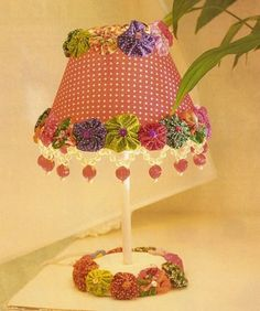 Abajur com fuxico - wouldn't this be cute for a little girl's room? Fabric Art, Fabric Crafts, Crafts To Do, Diy Crafts, Country Lamps, Lampshade Redo, Yo Yo Quilt, I Love Lamp, Sewing Art