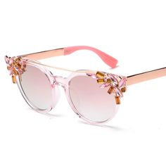 BOUTIQUE Fashion Crystal Decoration Women Cat Eye Sunglasses Women Twin Beam Brand Design Butterfly H1604 Tag a friend who would love this! Visit our store