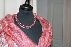 Pachemina entièrement brodé main avec collier en argent et rubis...