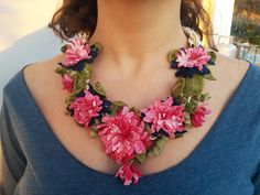gioielli fatti a mano Collana Crochet Miss rosa fiore di SESIMTAKI