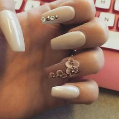 Ugh, nails heaven. Maybe without the gems on the pointer/index finger