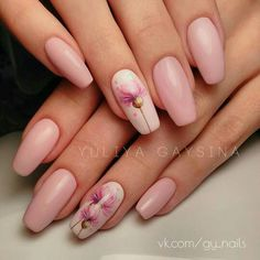 We all want beautiful but trendy nails, right? Here's a look at some beautiful nude nail art. Flower Nail Designs, Pink Nail Designs, Nail Designs Spring, Nails Design, Cute Nails, Pretty Nails, My Nails, Minimalist Nails, Trendy Nail Art