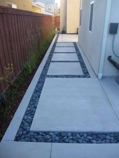 ❥ jdf: really love the mix of materials for walkway and how pavers beak the long path