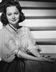 On #MemoryBook #AmericaHistory a old portrait of great #OliviaDeHavilland of the old cinema from world ...