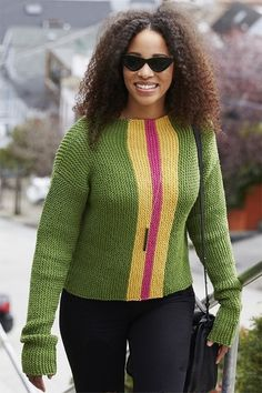Free knitting pattern for easy everyday chic sweater Easy Sweater Knitting Patterns, Hand Knitted Sweaters, Red Sweaters, Free Knitting, Sweaters For Women, Knitting Sweaters, Womens Fashion Casual Summer, Red Hearts, Garter Stitch