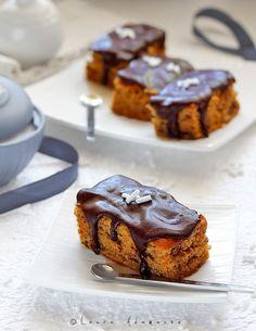 Prajitura cu dovleac si ciocolata - detaliu bucati de prajitura Chocolate Pumpkin Cake, Types Of Chocolate, Chocolate Pictures, Sweet Treats, Muffin, Goodies, Yummy Food, Sweets, Baking