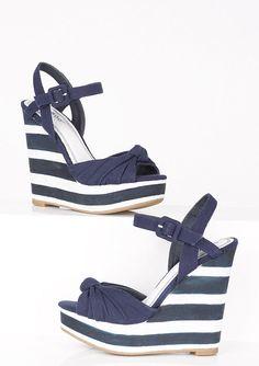 dELiAs > Evita Wedge > shoes > wedges