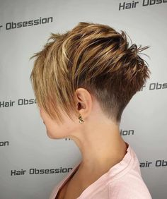 Best Short Hairstyles Pixie And Bob For Women 2019 – short-hairstyles – Best Short Hairstyles Pixie And Bob For Women 2019 – penteados curtos – Short Pixie Haircuts, Short Hairstyles For Women, Short Hair Cuts, Short Hair Styles, Hairstyles Haircuts, Short Highlighted Hairstyles, Manga Hairstyles, Pixie Cut With Long Bangs, Pixie Haircut Styles