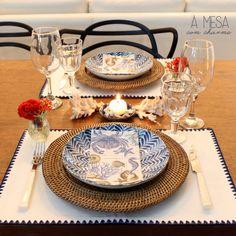 Mesa com coral   Coral table setting