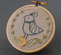 What a delightfully cute little quail stitchery. #stitchery #needlework #birds #quail #animals #cute #crafts