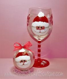 painting Glass - Hand Painted Wine Glass Ornament Set Santa Face Original Designs by Cathy Kraemer Diy Wine Glasses, Custom Wine Glasses, Decorated Wine Glasses, Hand Painted Wine Glasses, Painted Wine Bottles, Eye Glasses, Wine Glass Crafts, Wine Craft, Wine Bottle Crafts