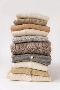 La laine cachemire est une laine haut de gamme. Des trucs et astuces pour apprendre comment laver le cachemire. Conseils de nettoyage grand mère maison.