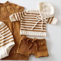 Baby clothes should be selected according to what? How to wash baby clothes? What should be considered when choosing baby clothes in shopping? Baby clothes should be selected according to … Baby Boy Knitting, Knitting For Kids, Baby Knitting Patterns, Baby Outfits, Kids Outfits, Dress Outfits, Pull Bebe, Baby Pullover, Knitted Baby Clothes