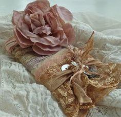 Mud Hound Studio: flowers and fashion...