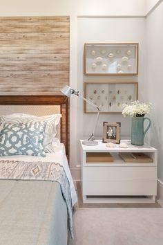 Modern nightstand ideas from the master bedroom collection Home Decor Bedroom, Master Bedroom, Beach House Decor, New Room, Decoration, House Design, Interior Design, San Francisco, Bedside Tables