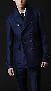 Burberry Prorsum Classic Wool Pea Coat in Blue for Men (dark sapphire) Outfits Casual, Mode Outfits, Fashion Outfits, Sharp Dressed Man, Well Dressed Men, Snappy Casual, Gentlemen Wear, Men's Coats And Jackets, Men Dress