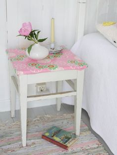 Stool with oilcloth for a sidetable.