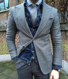 Dashing Denim/Blazer Combo Great combo to mix denim jacket and a blazer Mens Fashion Blog, Suit Fashion, Denim Fashion, Fashion Outfits, Denim Blazer, Denim Jeans, Stylish Men, Men Casual, Mode Man