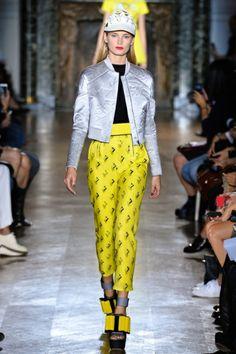Sfilata John Galliano Paris - Collezioni Primavera Estate 2014 - Vogue