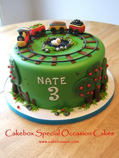 Fondant - Train Cake Cake for friends Fancy Cakes, Cute Cakes, Amazing Cakes, Beautiful Cakes, Gateau Harry Potter, Occasion Cakes, Cakes For Boys, Love Cake, Creative Cakes
