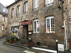 Guéret, Creuse - un petit restaurant à l'atmosphere chaleureuse et tranquille