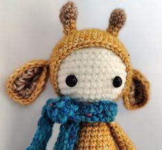 Gerda die Giraffe von PIDesignStore auf Etsy Giraffe, Crochet Hats, Christmas Ornaments, Holiday Decor, Etsy, Design, Home Decor, Washing Machine, Handarbeit
