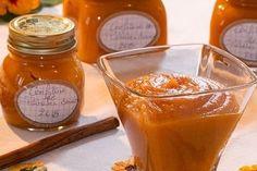 Marre des confitures traditionnelles aux fraises, framboises et autres abricots ? Misez donc sur des confitures originales épicées ou pas aux kiwis, potimarron, mangue et fleurs de sureau. Vous verrez, vous serez agréablement surpris !