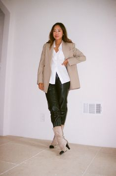 Aimee Song   White Button-Down Outfits   White Shirt Style White Button Down Outfit, Aimee Song, Fashion Blogger Style, Button Downs, Shirt Style, Duster Coat, Buttons, Street Style, Jackets