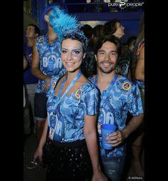 Camilla Rodrigues foi outra famosa a customizar seu abadá para curtir o Carnaval ao lado do...