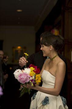 Guest bouquet: let your guests help you build your bouquet