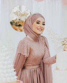 very stylish young girl hijab evening dress model Muslimah Wedding Dress, Hijab Style Dress, Hijab Look, Muslim Wedding Dresses, Muslim Dress, Summer Wedding Gowns, Summer Bridesmaid Dresses, Summer Dresses, Wedding Bridesmaids