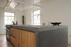 Solid oak kitchen island with concrete worktop by JP Walker Kitchen Dinning Room, Kitchen Family Rooms, Kitchen Benches, Chris Kitchen, My Kitchen Rules, Concrete Kitchen, Wooden Kitchen, Design My Kitchen, Tadelakt